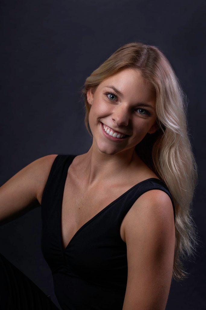 Chelsea Kuhn headshot