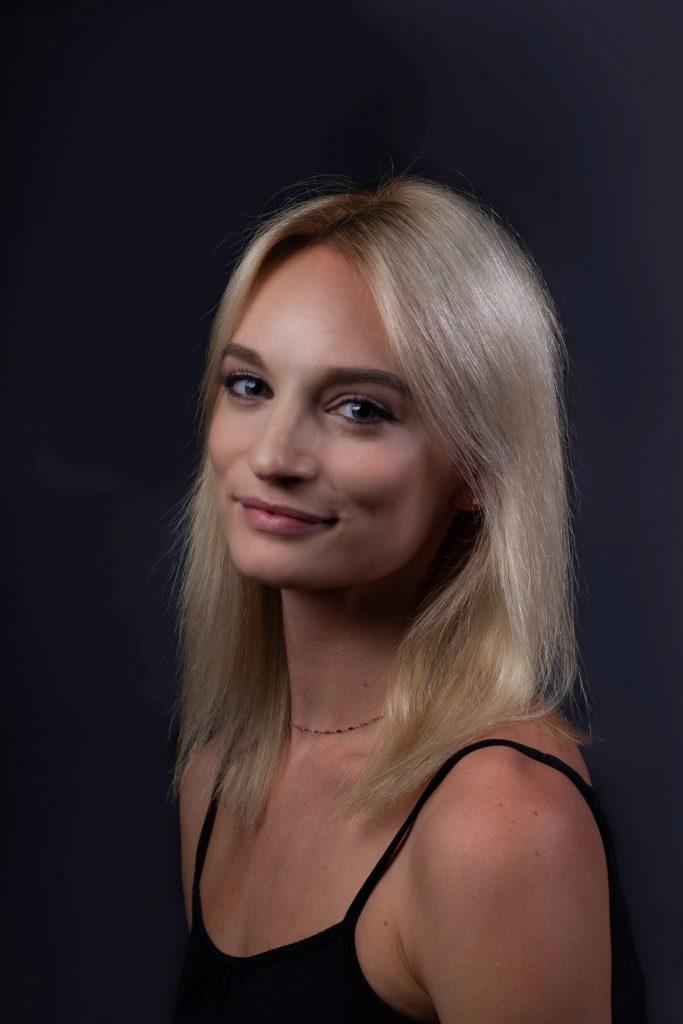 Erin Burt headshot